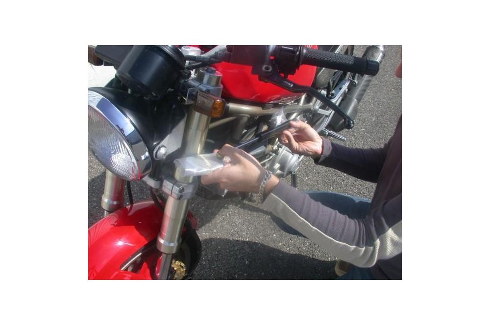Amortisseur de direction Ducati 750 900
